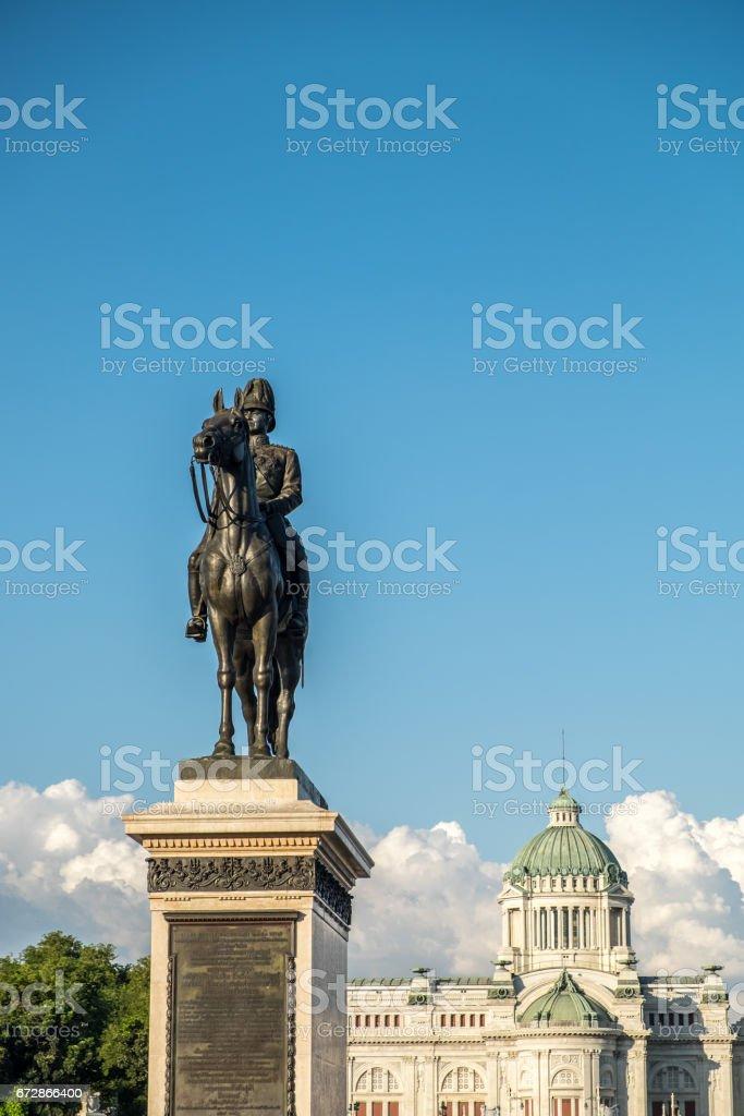 Statue of King Chulalongkorn and The Anantasamakhom Throne Hall stock photo
