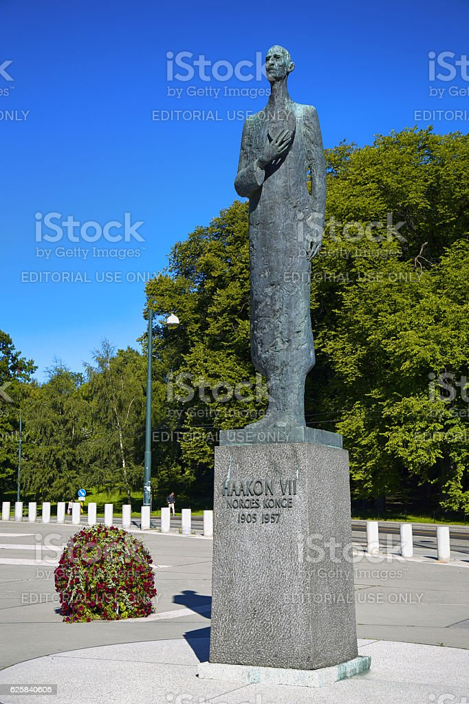 Statue Of King Haakon VII Norway In Oslo Royalty Free Stock Photo