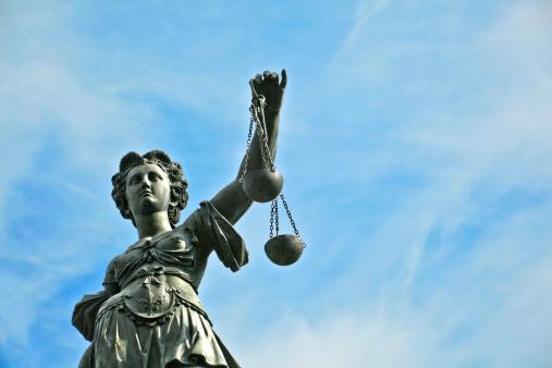 Statue Of Lady Gerechtigkeit In Frankfurt Stockfoto und mehr Bilder von Architektur