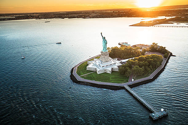 statue of liberty aerial view statue of liberty aerial view liberty island stock pictures, royalty-free photos & images
