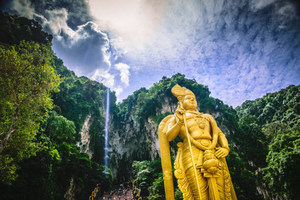 Statue of Lord Murugan, outside Batu Caves. The statue of Lord Murugan, in front of the steps to Batu Caves kuala lumpur batu caves stock pictures, royalty-free photos & images