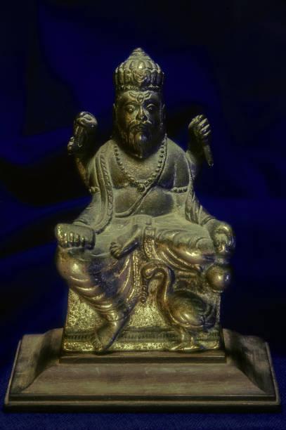 statue of lord vishwakarma in panch dhatu kalyan Maharashtra