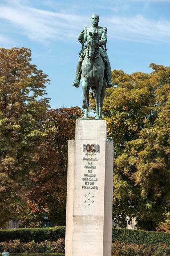 パリフランスの元帥フェルディナン フォッシュ の像 - ウマのストック ...