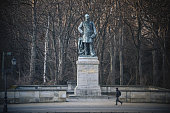 Statue of Roon