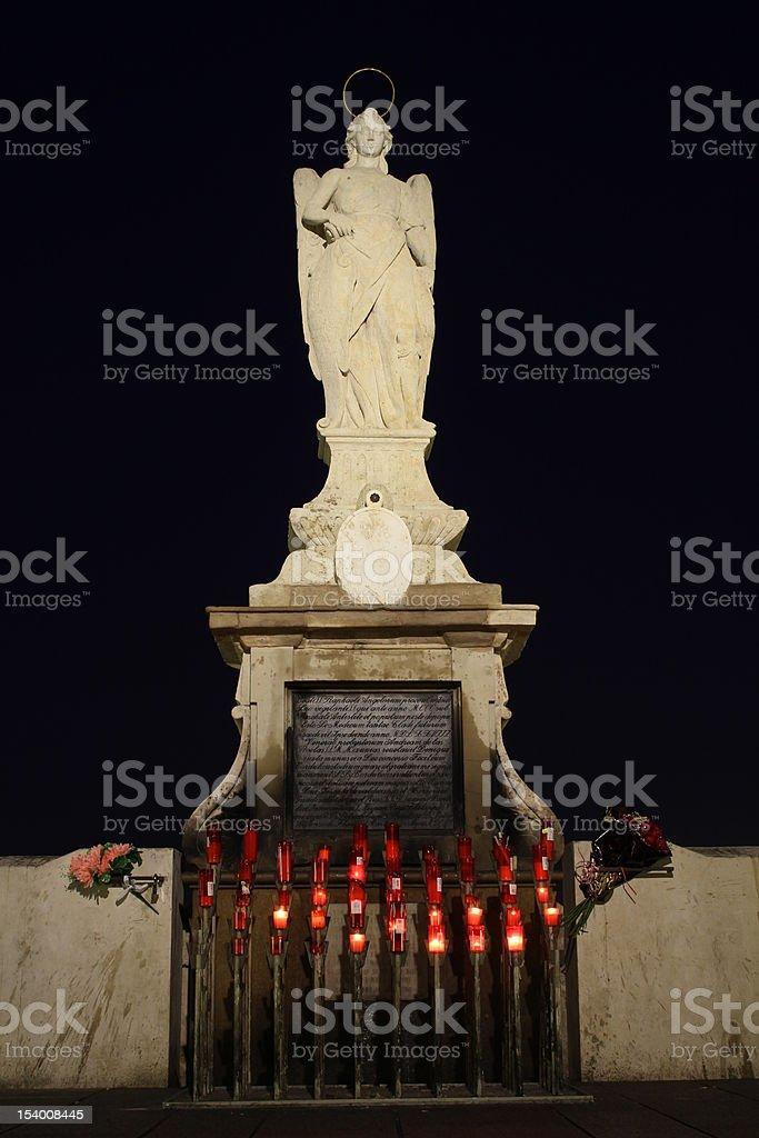 Estatua de San Rafael - foto de stock
