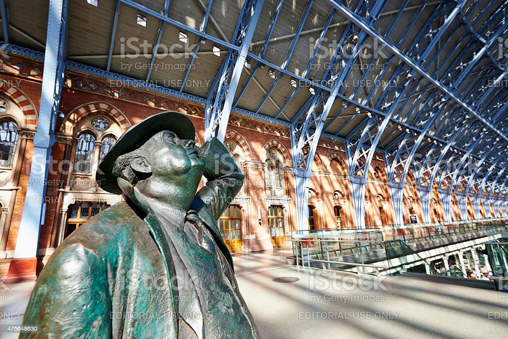 Statue of Sir John Betjeman in St Pancras stock photo