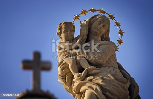 istock Statue of Virgin Mary and Jesus 538689203
