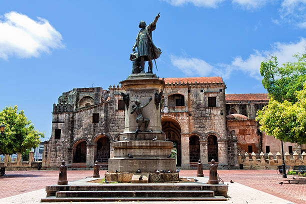 Statue outside the Catedral Primada de America Santo Domingo More images colonial style stock pictures, royalty-free photos & images