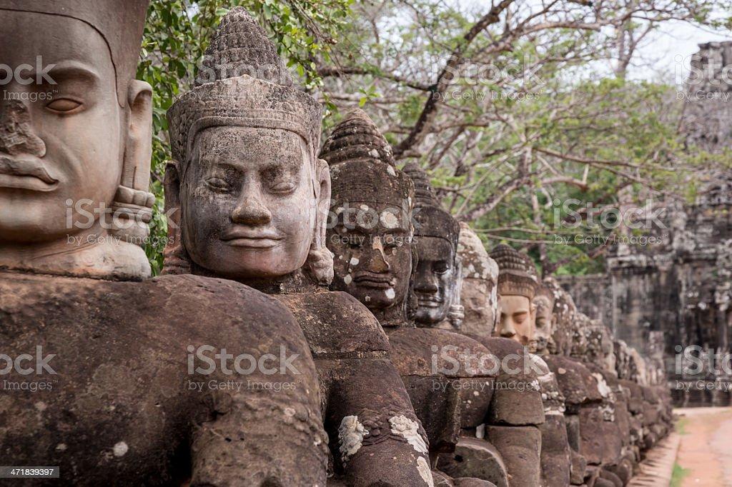 Statues at South gate Angkor Wat, Cambodge - Photo