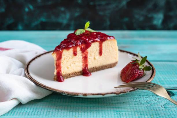 stawberry cheesecake - bolo sobremesa imagens e fotografias de stock