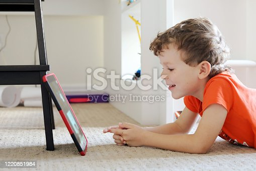 istock Staying connected during Quarantine 2020 1220851984