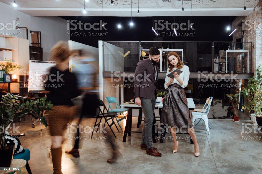 In einem schnellen Tempo Geschäft konzentrieren – Foto