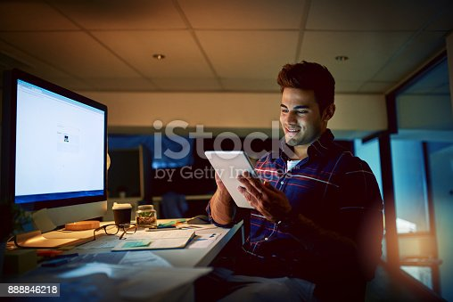 874813790 istock photo Staying true to the deadline 888846218