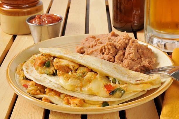 steak und käse-quesadillas - pimento käse dips stock-fotos und bilder