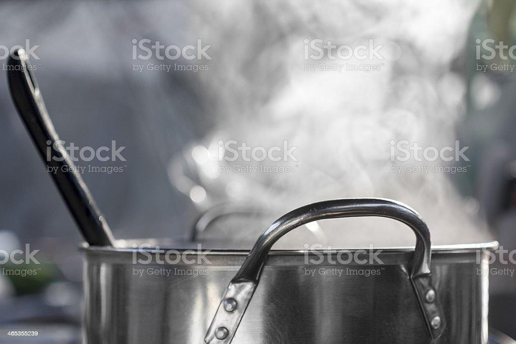 Dampfbad auf pot in der Küche – Foto