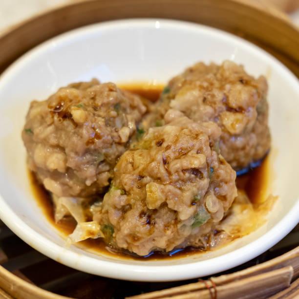 Boulettes de boeuf cuit à la vapeur avec feuille de tofu - Photo