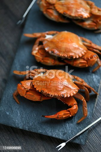 steamed crabs in
