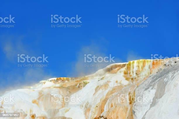 Steaming Mounds - Fotografias de stock e mais imagens de  Fonte termal Mammoth