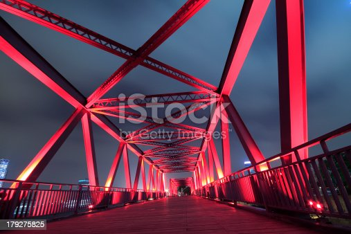 Steel structure bridge close-up night scenehttp://farm3.staticflickr.com/2842/9268652288_5083422fae_o.jpg