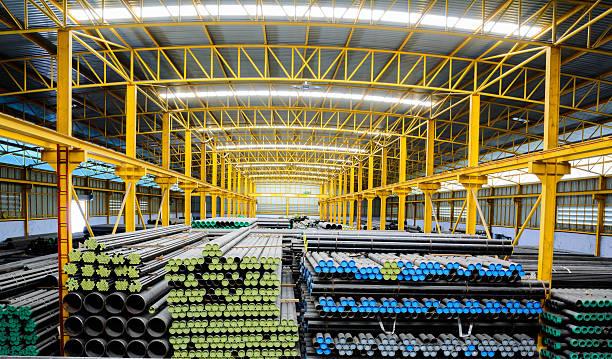 Stahl Rohre Aufbewahrung im warehouse für Konstruktion – Foto