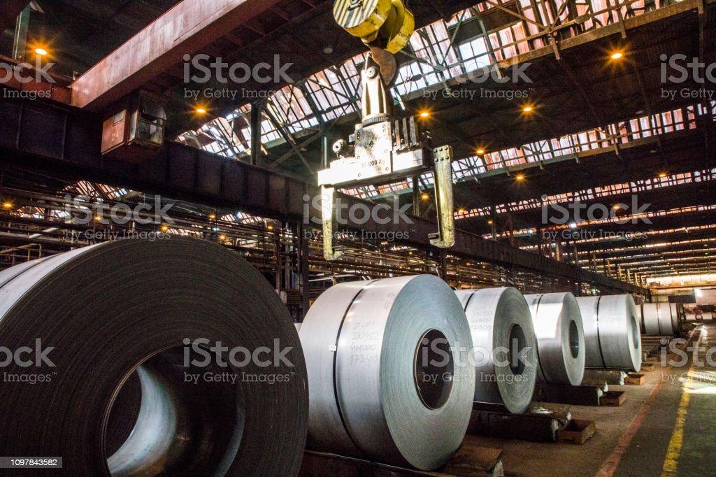 Bobinas de chapa de acero - foto de stock