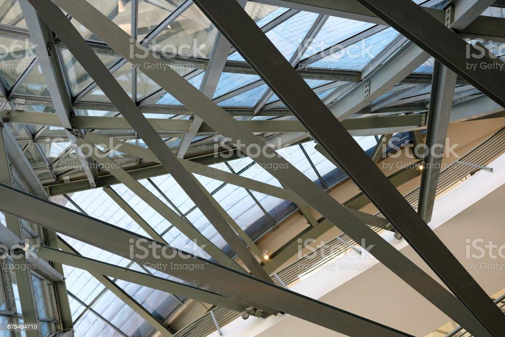 Structure en acier du pylône du pont à Pittsburgh tiré par le bas photo libre de droits