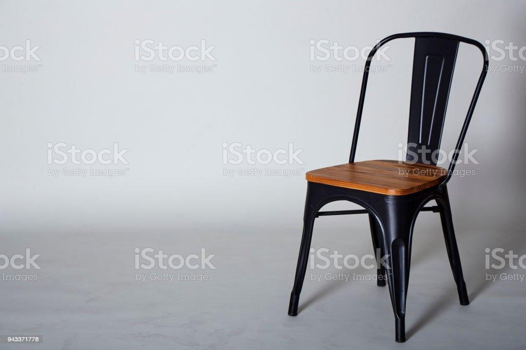 Stahl Mit Holz Stuhl Auf Grau Strukturierten Hintergrundwand Stockfoto Und Mehr Bilder Von Ausverkauf Istock