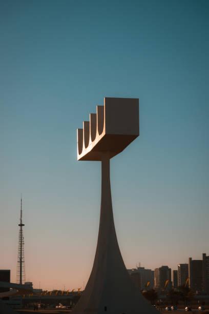 Steeple da Catedral de Brasília no por do sol - foto de acervo