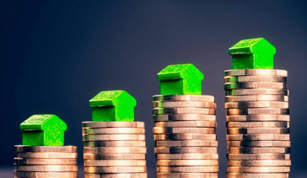 steigende preise für immobilien - mieterhöhung stock-fotos und bilder