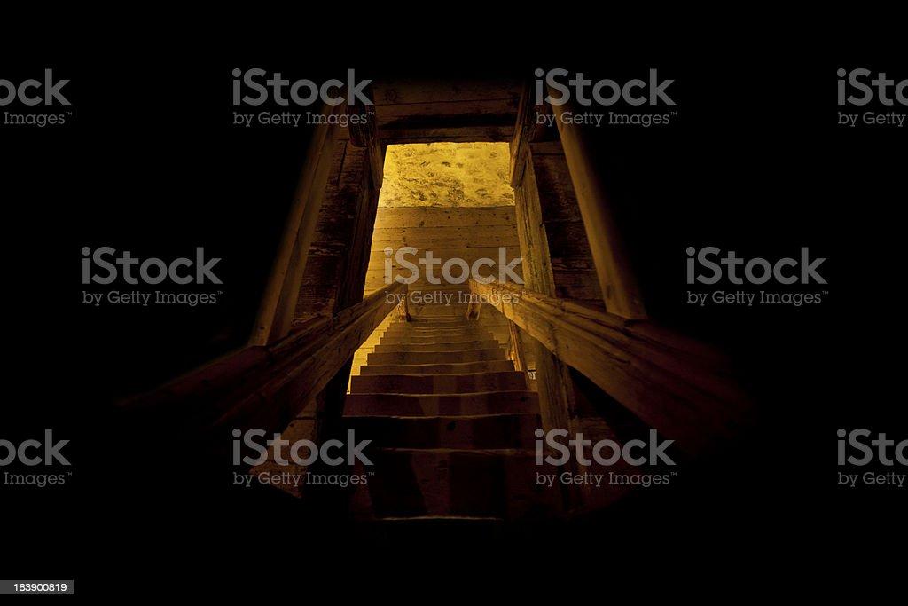 Passos para luz - foto de acervo