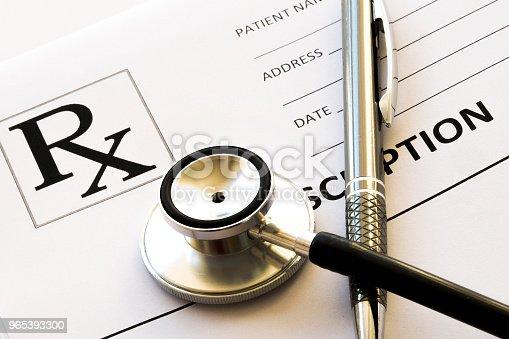 Stethoscope Medicine And Pills Close Up - zdjęcia stockowe i więcej obrazów Antybiotyk