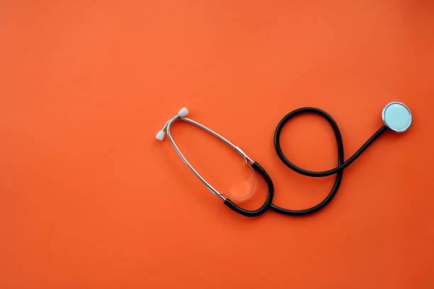 stetoskop på färg bakgrund - hospital studio bildbanksfoton och bilder