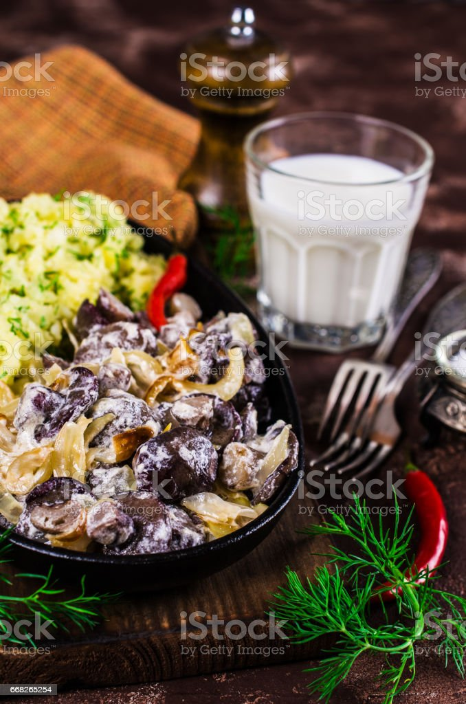 Stewed mushrooms with potatoes foto stock royalty-free