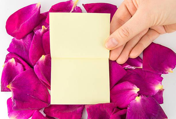 kleben sie keine notizen an floralen rahmen - karte ziehen stock-fotos und bilder