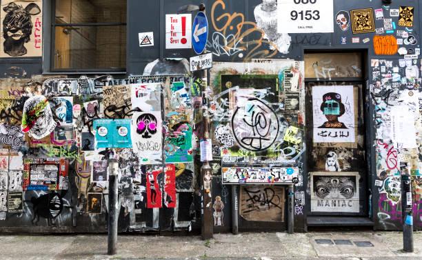 ハックニーのステッカー アート - street graffiti ストックフォトと画像