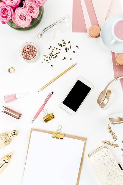 stillleben von mode frau, objekte auf weiß - ohrringe rose stock-fotos und bilder