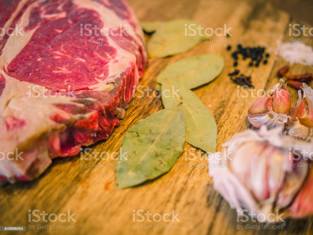 Mise En Place Immagini still life of the mise en place of an entrecote with species