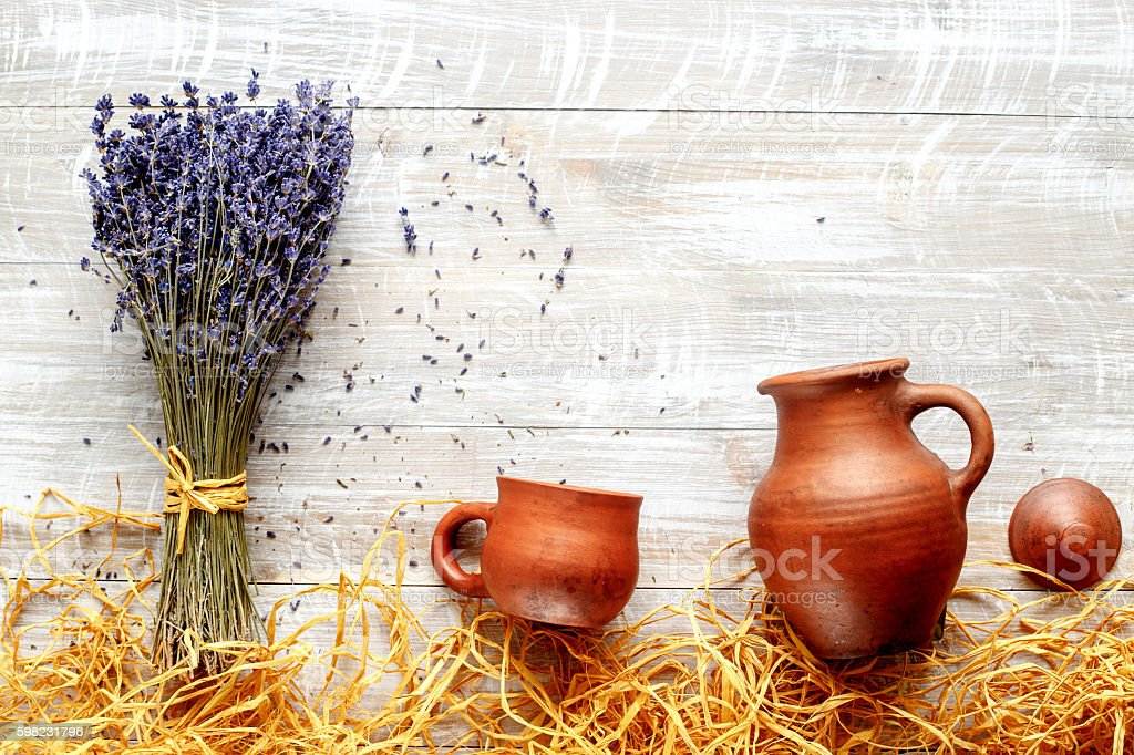 still life pottery and lavender - country style foto royalty-free
