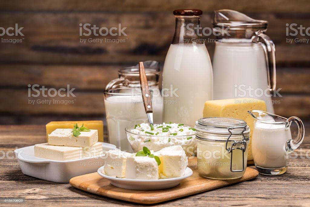 Ainda vida com produtos lácteos - foto de acervo