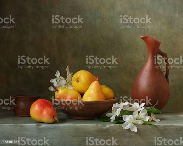 Still Life With Pears Stockfoto en meer beelden van Abstract