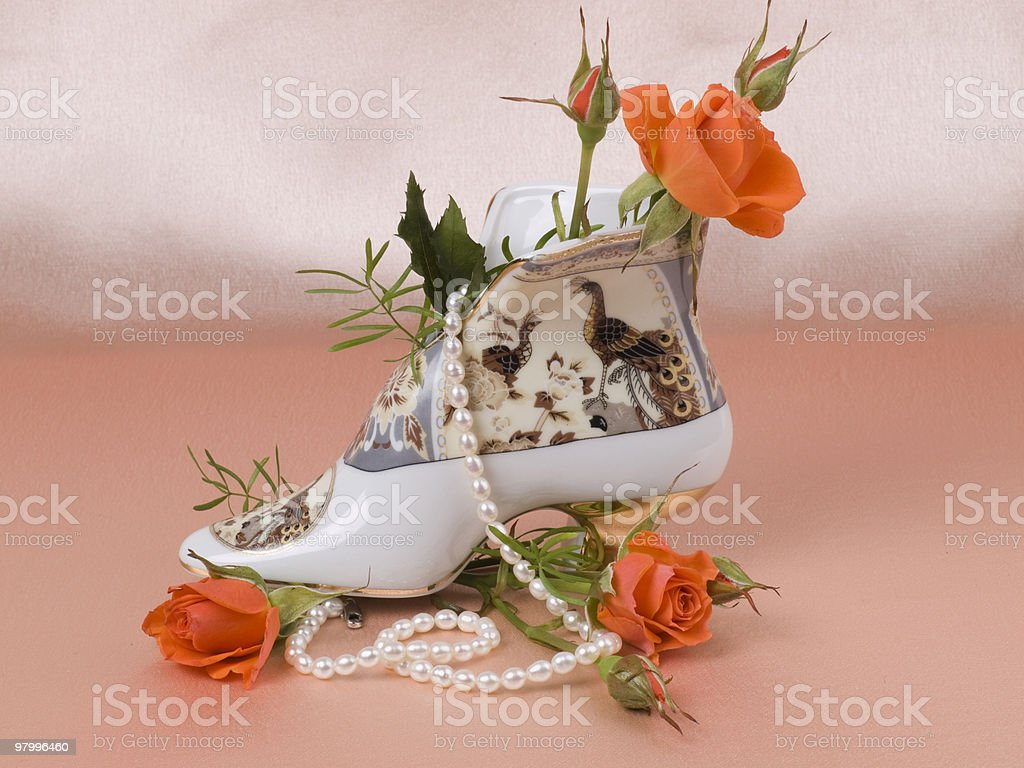 Still life with porcelain and roses royalty free stockfoto