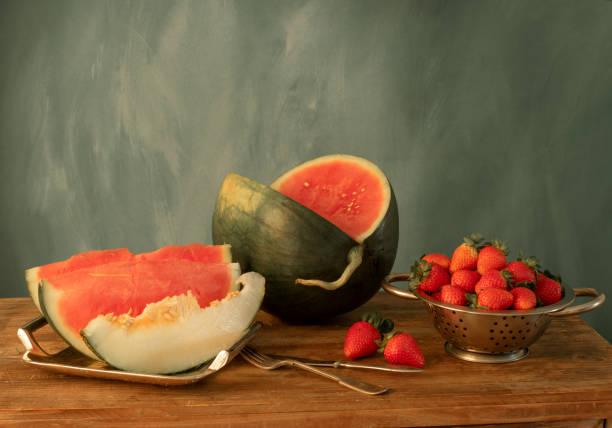 Stillleben mit Wassermelone, Erdbeere und Melone – Foto