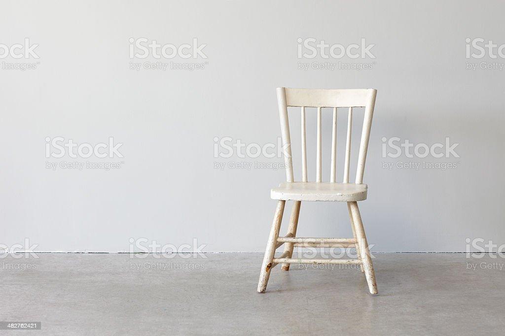 Sedie Stile Windsor : Still lifeverniciato bianco sedia fotografie stock e altre