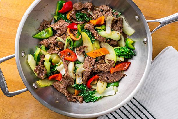 говядина с жареным & овощной - стир фрай стоковые фото и изображения