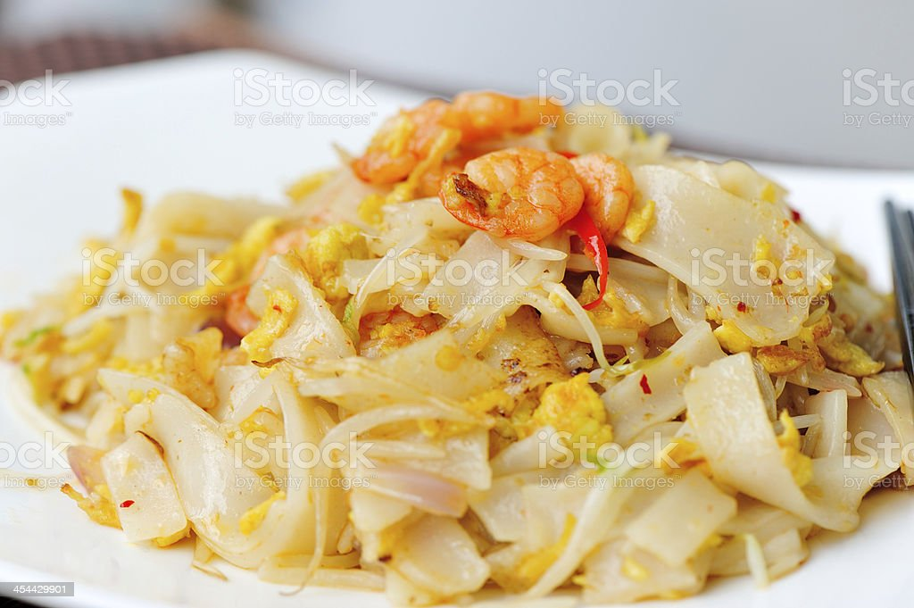 stir fried noodles with shrimp and vegetables royalty-free stock photo