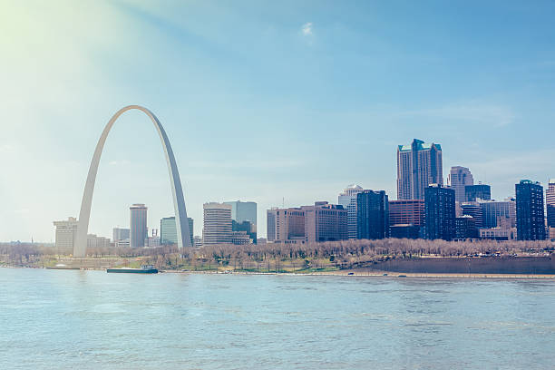 st.louis cityscape and arch - st louis 個照片及圖片檔