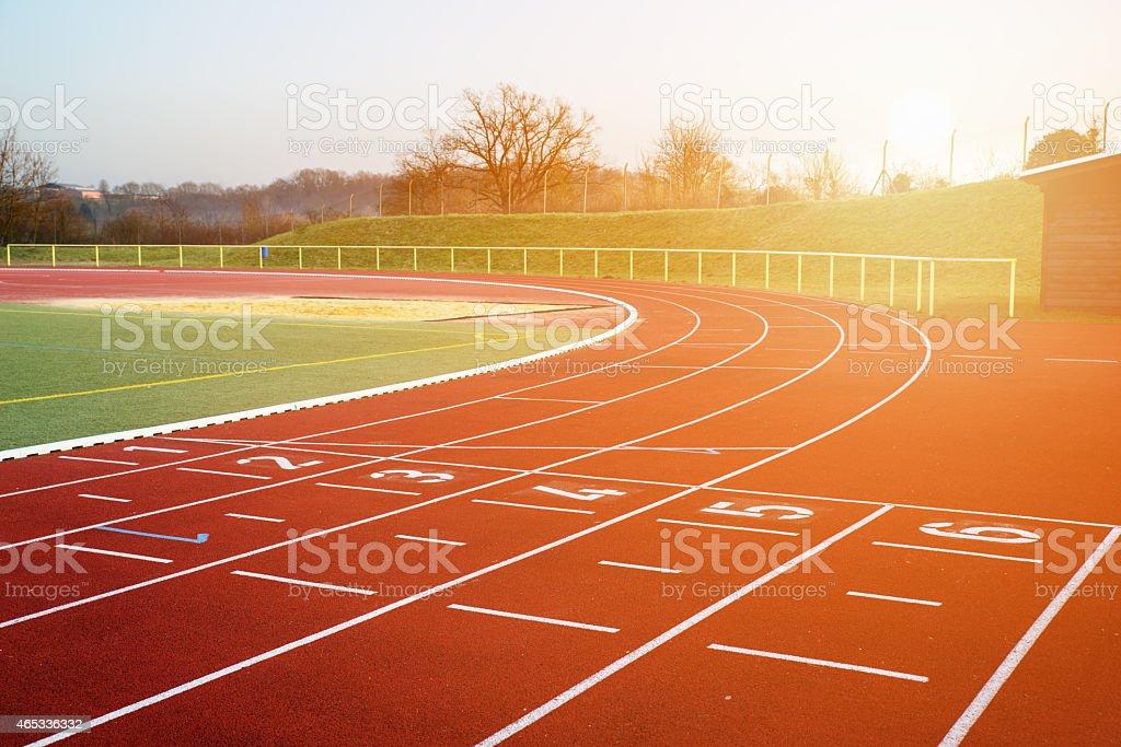Imagen de Stock de la pista de atletismo en la noche - foto de stock