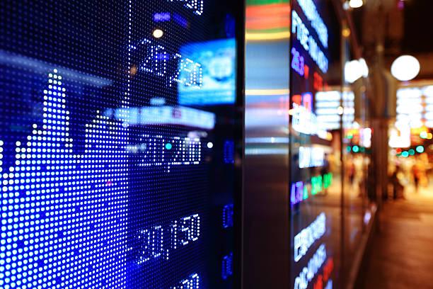 stock market diagrammen - hang seng index stock-fotos und bilder