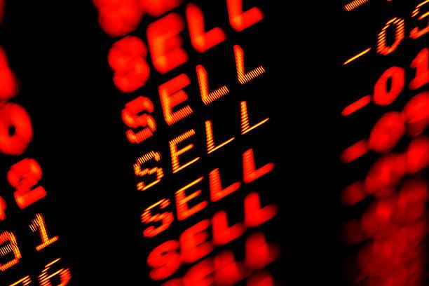 börsencrash verkauf-rabatt-trading-bildschirm in rot - börsencrash stock-fotos und bilder