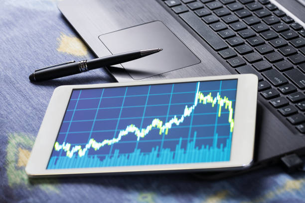 Stock market data on tablet pc – Foto